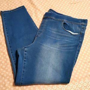 Avery Slim Leg Jeans
